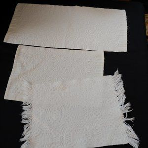 3 Vintage Reversible White Woven Placemats